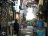 初音小路。昔ながらの小さな商店街。